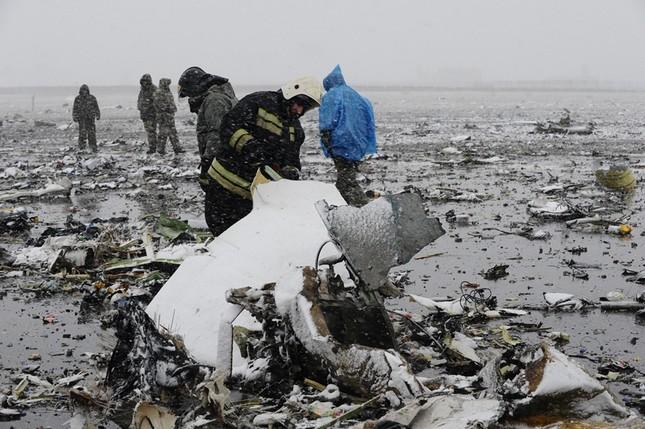 Máy bay Flydubai rơi ở Nga: Hộp đen hư hỏng nặng - ảnh 1