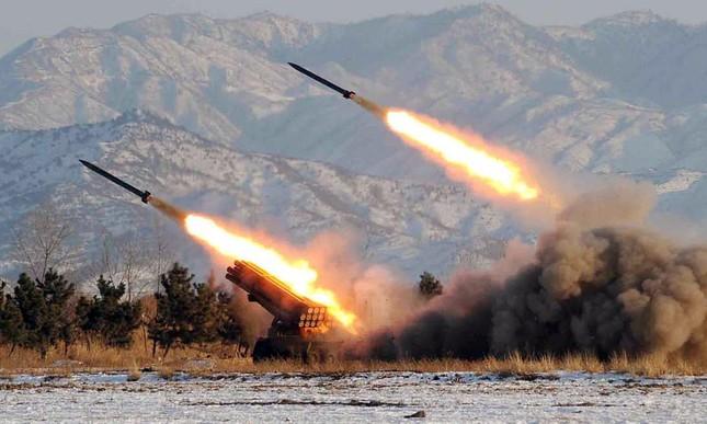 Triều Tiên chuẩn bị thử hạt nhân, phóng loạt tên lửa tầm ngắn - ảnh 1