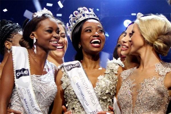 Nhan sắc xấu lạ khiến fan 'dậy sóng' của Tân Hoa hậu Nam Phi 2016 - ảnh 1