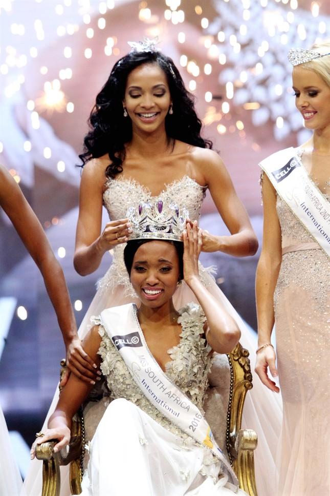 Nhan sắc xấu lạ khiến fan 'dậy sóng' của Tân Hoa hậu Nam Phi 2016 - ảnh 4