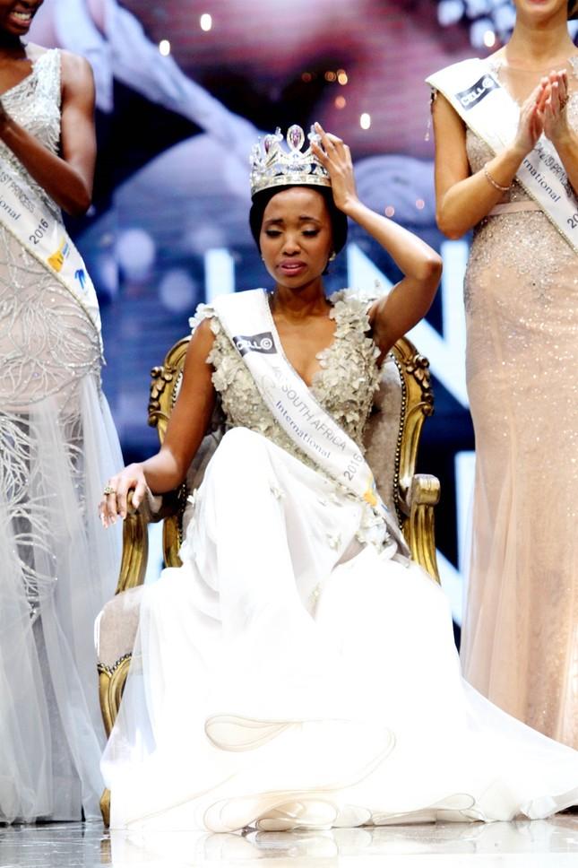 Nhan sắc xấu lạ khiến fan 'dậy sóng' của Tân Hoa hậu Nam Phi 2016 - ảnh 5