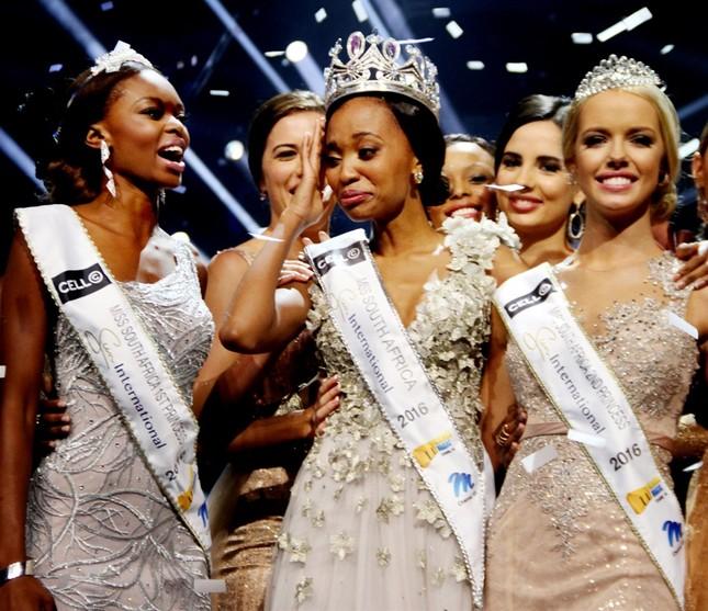 Nhan sắc xấu lạ khiến fan 'dậy sóng' của Tân Hoa hậu Nam Phi 2016 - ảnh 6