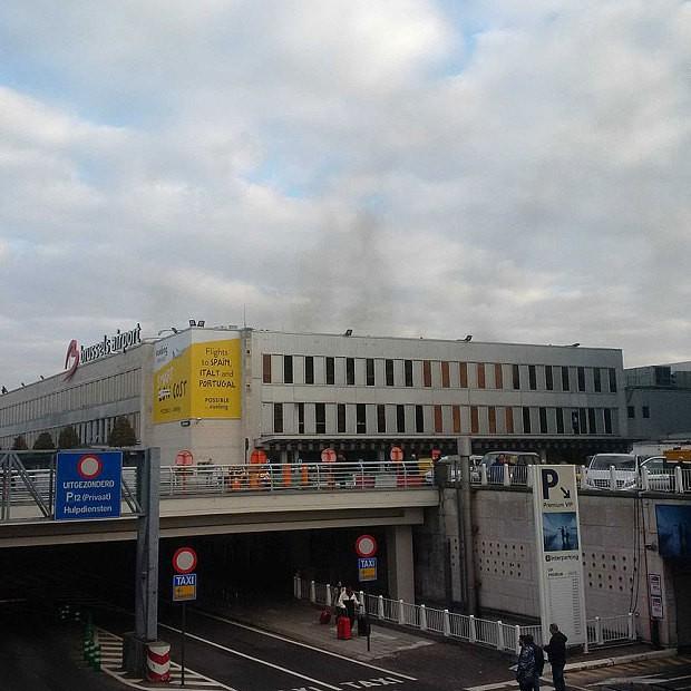 Sân bay Bỉ rung chuyển vì hai vụ nổ liên quan đến khủng bố? - ảnh 1