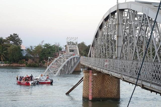 Bàng hoàng nhớ lại giây phút dừng tàu trước khi cầu Ghềnh sập - ảnh 2