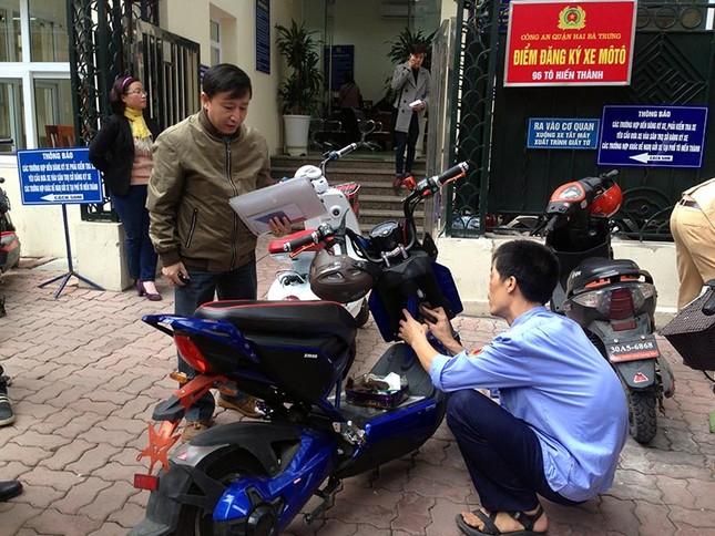 Từ 1/7/2016, phạt nặng nếu xe máy điện không đăng ký - ảnh 1