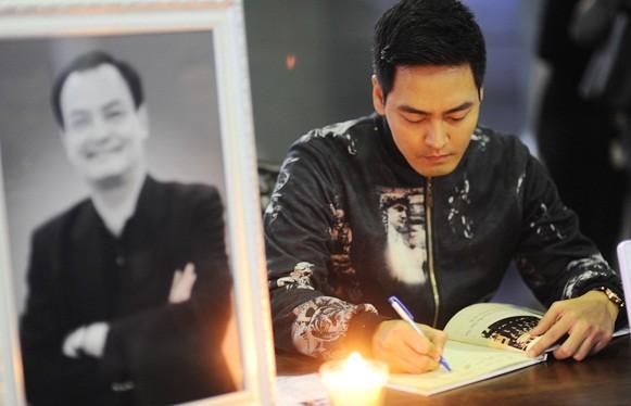 Sao Việt nghẹn ngào trong lễ viếng tiễn đưa nhạc sĩ Thanh Tùng - ảnh 4