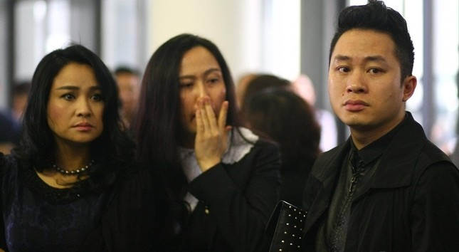 Sao Việt nghẹn ngào trong lễ viếng tiễn đưa nhạc sĩ Thanh Tùng - ảnh 2