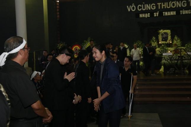 Thanh Lam, Quốc Trung nghẹn ngào đưa tiễn nhạc sĩ Thanh Tùng - ảnh 2
