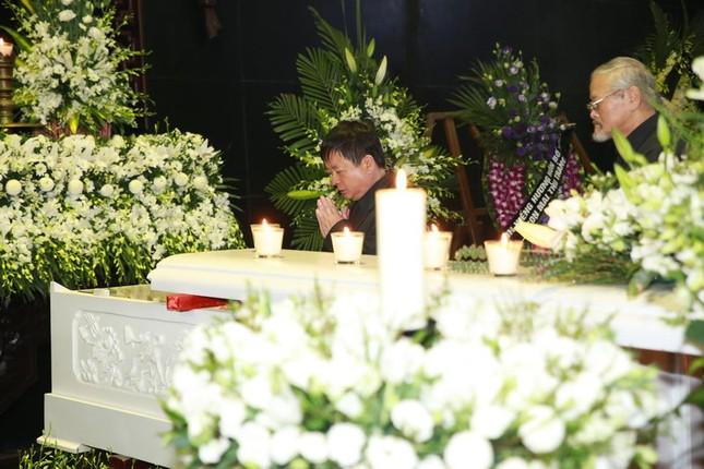 Thanh Lam, Quốc Trung nghẹn ngào đưa tiễn nhạc sĩ Thanh Tùng - ảnh 6
