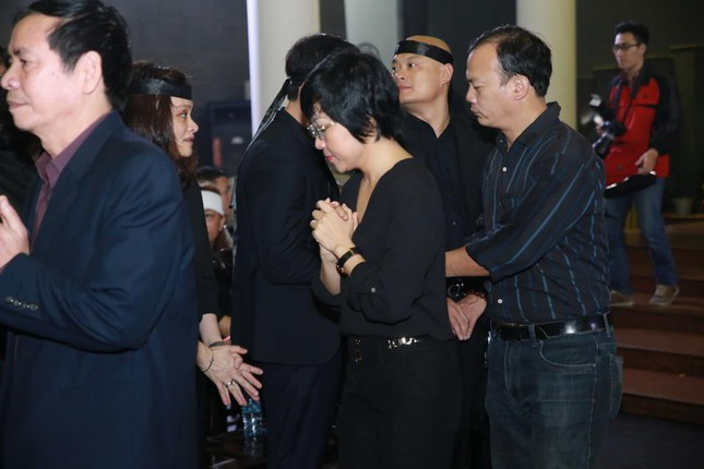 Thanh Lam, Quốc Trung nghẹn ngào đưa tiễn nhạc sĩ Thanh Tùng - ảnh 4