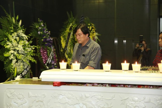 Thanh Lam, Quốc Trung nghẹn ngào đưa tiễn nhạc sĩ Thanh Tùng - ảnh 3
