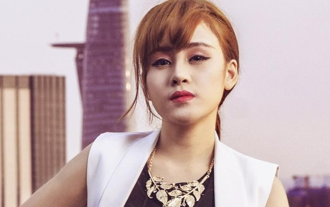 Bà Tưng tiết lộ 'nỗi đau câm nín' vì phẫu thuật thẩm mỹ - ảnh 1