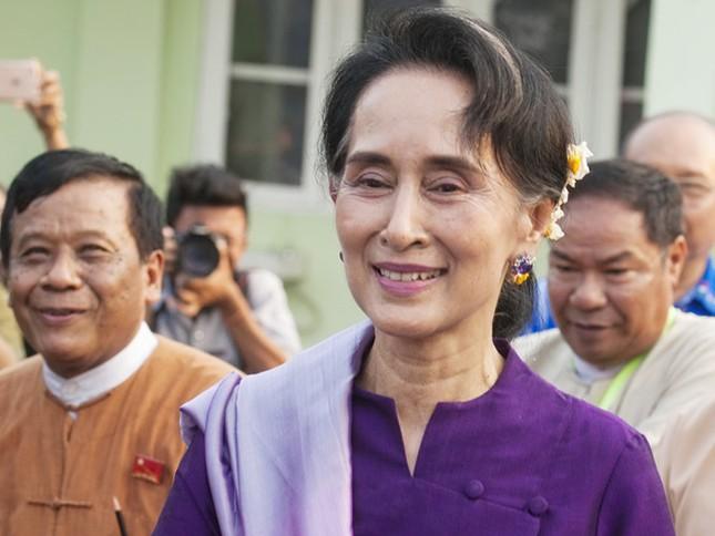 Bà Suu Kyi sẽ trở thành 'siêu bộ trưởng' Myanmar - ảnh 1
