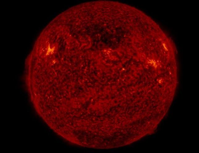 Tìm ra 'cánh cửa bí ẩn' trên bề mặt Mặt Trời - ảnh 1