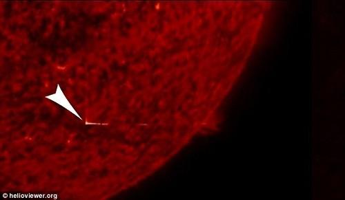 Tìm ra 'cánh cửa bí ẩn' trên bề mặt Mặt Trời - ảnh 2