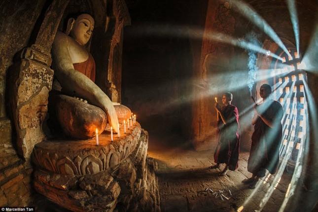 Châu Á đẹp mê hồn qua ống kính bác sĩ mê du lịch - ảnh 1