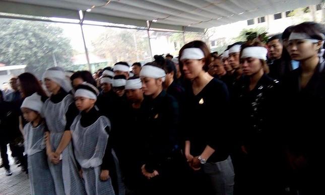 Toàn cảnh tang lễ Trần Lập - Ấm áp yêu thương hòa trong nước mắt - ảnh 24