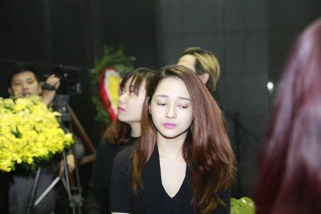 Nghệ sĩ Việt bật khóc.. nén đau thương trong tang lễ Trần Lập - ảnh 9