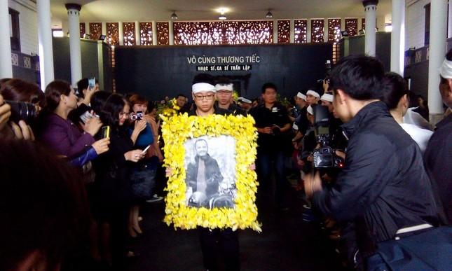 Toàn cảnh tang lễ Trần Lập - Ấm áp yêu thương hòa trong nước mắt - ảnh 4