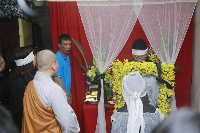 Toàn cảnh tang lễ Trần Lập - Ấm áp yêu thương hòa trong nước mắt - ảnh 6