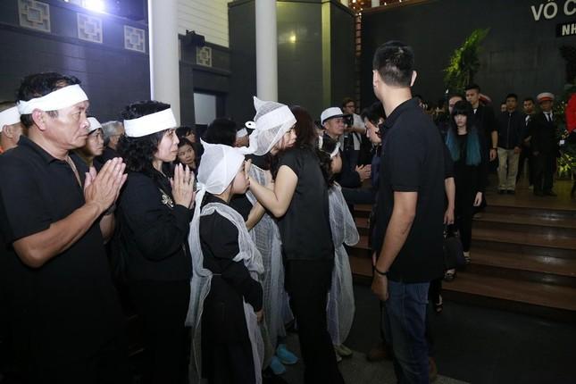 Những hình ảnh tiễn biệt nghẹn ngào ở tang lễ Trần Lập - ảnh 10