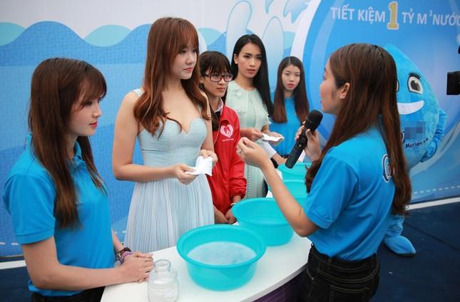 Ái Phương - Hari Won gợi cảm, rạng rỡ kêu gọi tiết kiệm nước - ảnh 4