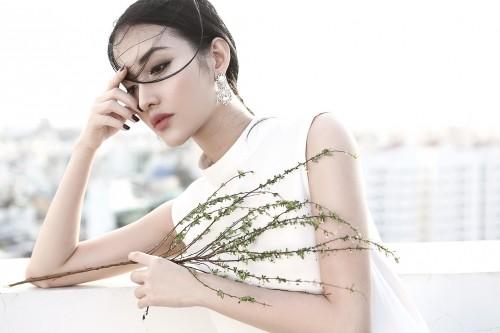 'Bạn gái cũ Trấn Thành' Mai Hồ lột xác vừa gợi cảm vừa cá tính - ảnh 4