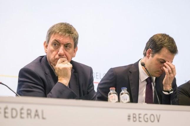 Hai bộ trưởng Bỉ lần lượt xin từ chức sau vụ đánh bom Brussels - ảnh 1