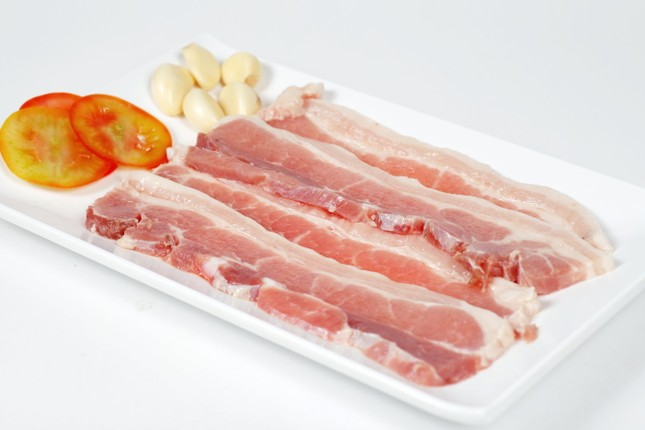 Mẹo nhận biết thịt lợn chứa chất tạo nạc bằng mắt thường - ảnh 1