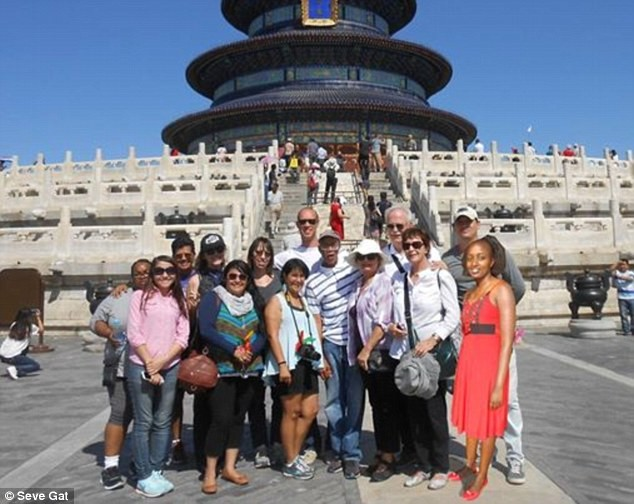 Được đi du lịch Trung Quốc miễn phí do bị chế ảnh quá nhiều - ảnh 3