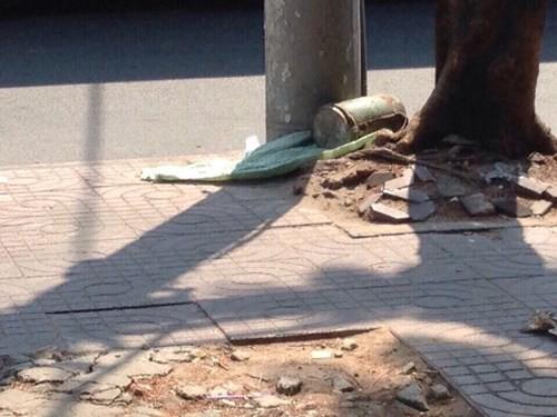 Phát hiện vật thể nghi là 'bom' trên đường phố Sài Gòn - ảnh 1