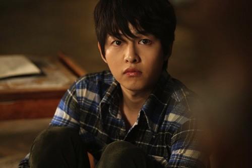 Song Joong Ki và 'bệ đỡ' trở thành hoàng tử màn ảnh châu Á - ảnh 10