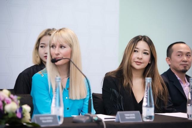 Những người đàn bà đẹp của Bond trở lại Việt Nam vì Phạm Thu Hà - ảnh 4