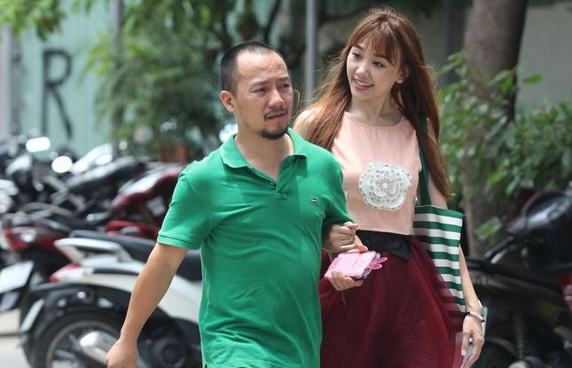 Tiến Đạt - Hari Won 'đá đểu' khơi lại chuyện tình 8 năm gây bão - ảnh 1