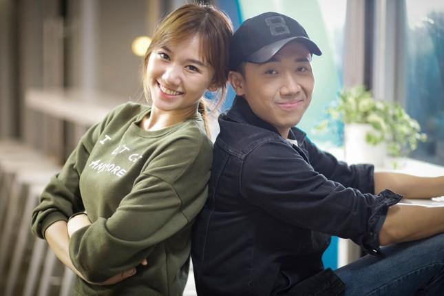 Tiến Đạt - Hari Won 'đá đểu' khơi lại chuyện tình 8 năm gây bão - ảnh 2
