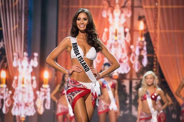 Loạt lý do khiến Hoa hậu Hòa bình Quốc tế 2015 bị tước vương miện - ảnh 1