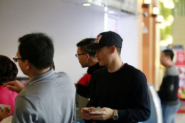 Công Vinh rủ đồng đội xem phim của Thủy Tiên để mừng chiến thắng - ảnh 2
