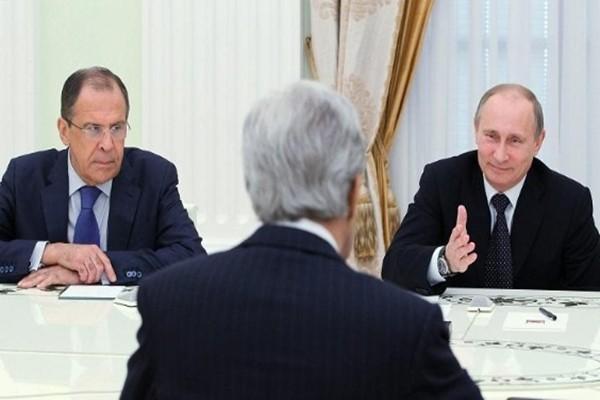 Ông Putin: John Kerry 'mang tiền' đến mặc cả với Nga - ảnh 1