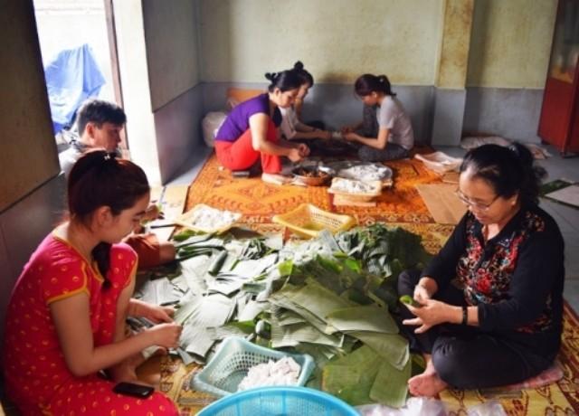 Người phụ nữ làm nên thương hiệu bánh bột lọc nổi tiếng đất Quảng - ảnh 2