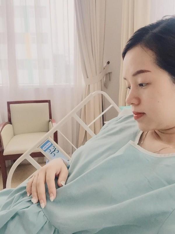 Ly Kute vượt cạn thành công mặc Mạc Hồng Quân vui bên 'tình địch' - ảnh 2