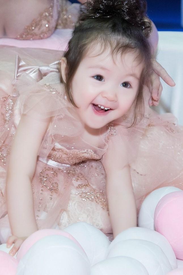 Elly Trần chia sẻ cách sống, sắc đẹp... bà mẹ bỉm sữa hiện đại - ảnh 6