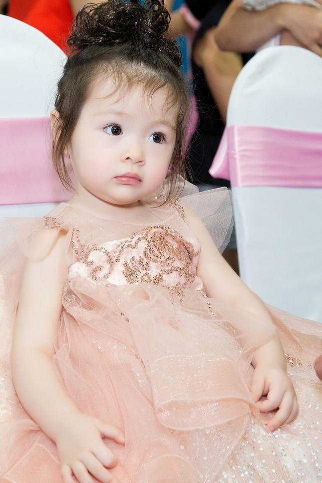 Elly Trần chia sẻ cách sống, sắc đẹp... bà mẹ bỉm sữa hiện đại - ảnh 7