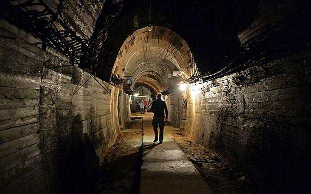 Sắp tìm ra đoàn tàu chở 300 tấn vàng của Đức Quốc xã - ảnh 1