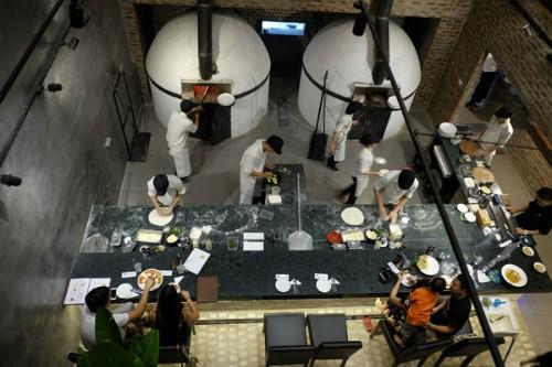 4 quán ăn phải 'xếp hàng' chờ nhưng vẫn đông khách ở Hà Nội - ảnh 4