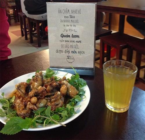 4 quán ăn phải 'xếp hàng' chờ nhưng vẫn đông khách ở Hà Nội - ảnh 3