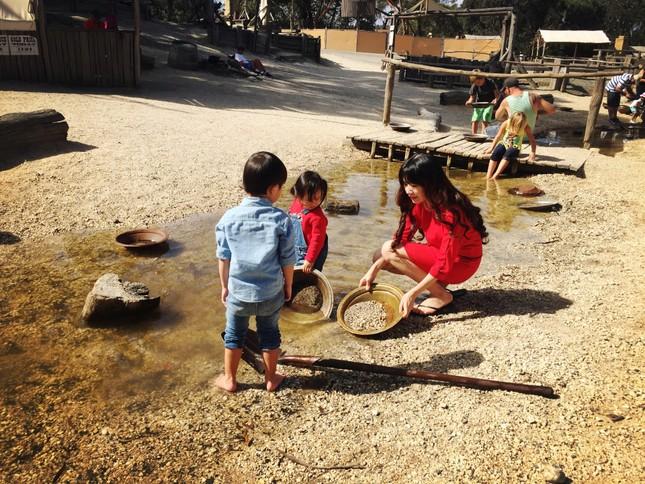 Lý Hải - Minh Hà cùng các con du lịch khám phá xứ sở chuột túi - ảnh 5