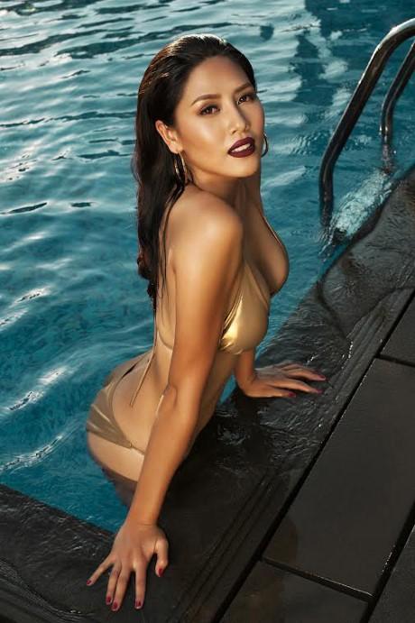 Hoa hậu Biển Nguyễn Thị Loan nóng bỏng với bikini, váy xuyên thấu - ảnh 5