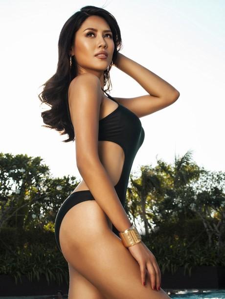 Hoa hậu Biển Nguyễn Thị Loan nóng bỏng với bikini, váy xuyên thấu - ảnh 9