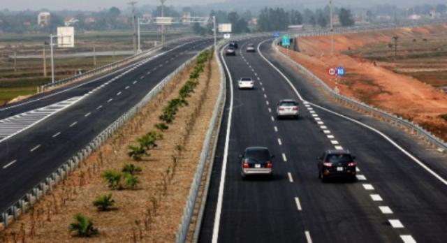 """Cao tốc Nội Bài - Lào Cai không phục vụ 6 xe """"trốn phí"""" - ảnh 1"""