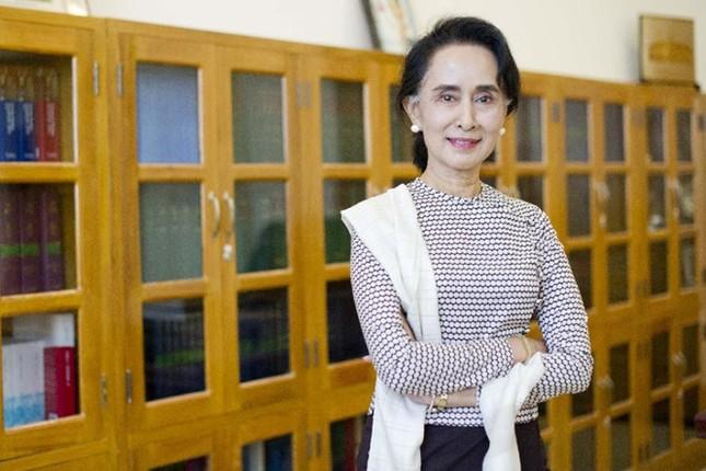 Bà Suu Kyi được bổ nhiệm làm Ngoại trưởng Myanmar - ảnh 1